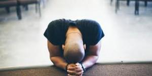guy praying